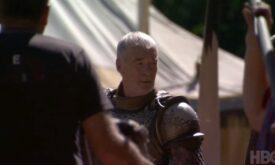 Сир Барристан Селми в облачении рыцаря Королевской гвардии