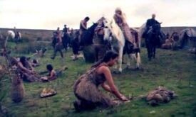 Дейенерис посреди дотракийского лагеря
