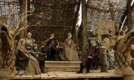 Королевская семья в сборе наблюдает за турниром