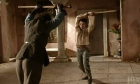 Арья Старк учится сражаться