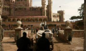 Въезд в Красный замок