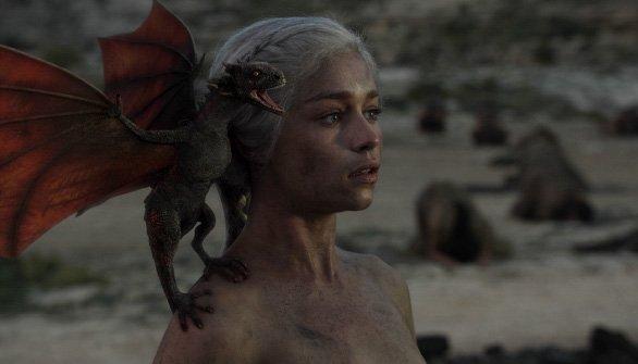 Дейенерис и 3D-дракончик