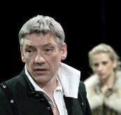 Саймон Армстронг (в роли Цезаря) сыграет Куорена Полурукого