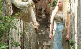 Dany and Xaro walk through the palace