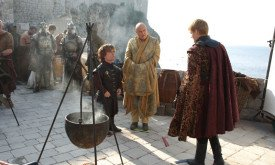 Tyrion examines the city's defense with Varys & Joffrey.