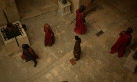 Серсея демонстрирует Петиру, что значит власть
