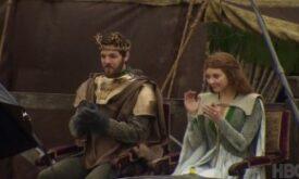 Король Ренли со своей королевой. Снова неудачный кадр?