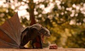 Дрогон во втором сезоне выглядит чуть более угрожающе
