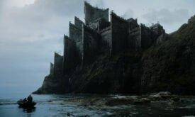 Новый замок в сериале. Вроде бы все же Драконий Камень