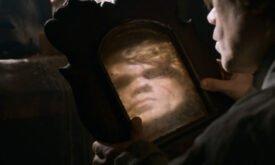 Тирион смотрится в не очень хорошее зеркало