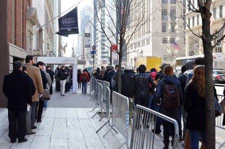За неделю, пока выставка была открыта, ее посещали примерно 2500 человек ежедневно и 5000 человек в день открытия. Даже в полдевятого утра перед входом собирается очередь.