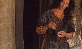 Индира Варма в сериале «Мир без конца» (2012)