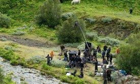 Единственное фото из Северной Ирландии: съемки сцены с Арьей и Псом