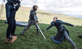 behind-the-scenes-game-of-thrones-38264862-1320-942