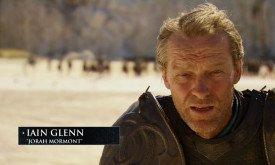 Йен Гленн не говорит ничего нового, но посмотреть на него всегда приятно, как и на «драконий» доспех его героя