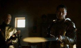 Тайвин, Джейме и новый меч Ланнистеров (это солнечный луч на лезвии; меч одноцветный)