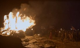 Леди Мелисандра привычно сжигает человеков