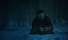 Раст (раз уж других злодеев под рукой нет) приносит новорожденного в жертву Иным