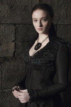 Санса во врановом платье