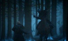 Во время битвы в лесу кто-то из рыцарей убивает подозрительно лысого одичалого с топором. Но, кажется, это все-таки не Стир.