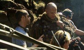 Красавец Стир с чем-то непонятным (пушок? шрамы?) на голове. Роль, видимо, действительно значимая, если с Юрием беседует сам Вайс.