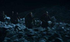 Одичалые во главе с Тормундом и Стиром набигают