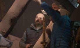 А серию, где Джону придется так туго, ставит режиссер Нил Маршалл.