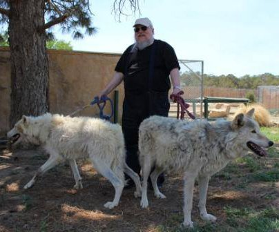 Джордж Мартин в приюте Wild Spirit Wolf Sanctuary