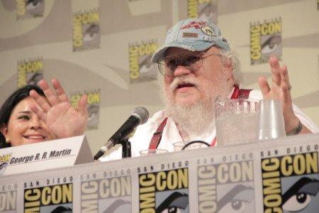 Джордж Мартин на встрече с читателями вместе с другими поплуярными писателями в рамках Comic-con