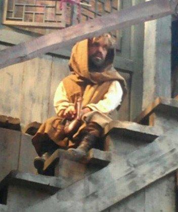 Питер Динклейдж в костюме Тириона замечен в Испании