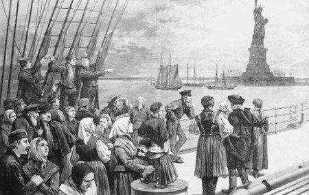 Иллюстрация иммигрантов на кубрика палубе океанского парохода, проходящего Статую Свободы, худ. Фрэнк Лесли для Illustrated Newspaper, 2 июля 1887 г.