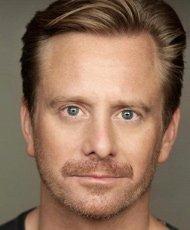 Джеймс МакКензи (James Mckenzie Robinson) — Джосс (отец больного ребенка из Браавоса)