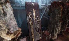 Длинный Коготь, его ножны и другие мечи