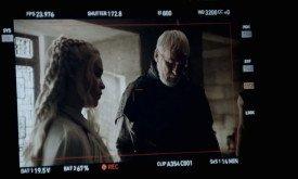 Дейнерис приказывает Барристану разобраться с Сынами Гарпии.