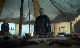 Станнис обдумывает план войны на Севере. Мелисандра не останется на Стене, а уйдет вместе с ним?