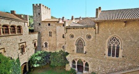 Кастильо-де-Санта-Флорентина в Кане-де-Мар (Барселона)