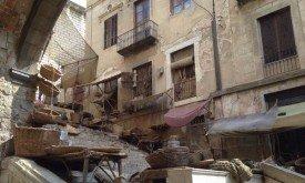 Почти полностью завешанная лестница (3 сентября)