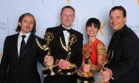 Команда Игры престолов со статуэтками технических номинаций:  Ronan Hill, Richard Dyer, Onnalee Blank и Mathew Waters