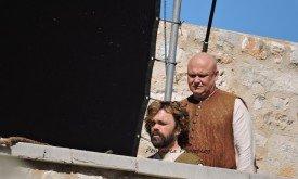 Варис и Тирион строят планы, как им установить в городе порядок.