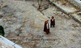 Варис и Тирион после погромов в Миэрине.