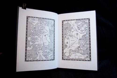 Карты из британской «Игры престолов», перевод соответствует основному тексту
