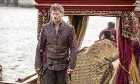 Джейме прибывает в Королевскую Гавань вместе с трупом дочери