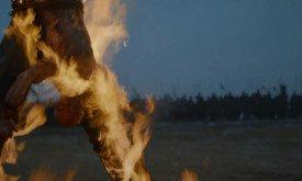 Тем временем на Севере: Болтоны сжигают своих врагов…