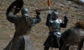 И продолжение — с одним из рыцарей Королевской гвардии, орудующим двумя мечами. Значит, это не Эртур Дейн?