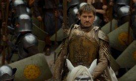 В это время (?) его дядя (и не только) подступает к Великой септе Бейлора во главе гвардии Тиреллов