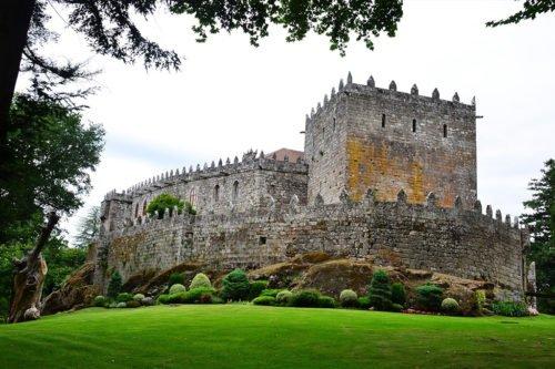 Замок Сотомайор как пример архитектуры северной части Испании