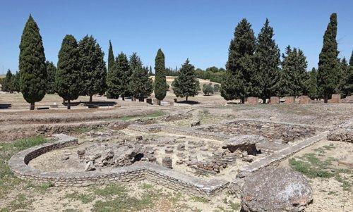 Италика, руины римского города недалеко от современного Сантипонсе; дата съемок неизвестна.