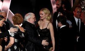 Джордж Мартин поздравляет Софи Тернер с победой