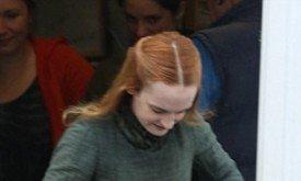 По прическе и цвету волос поначалу была принята за дублершу Сансы