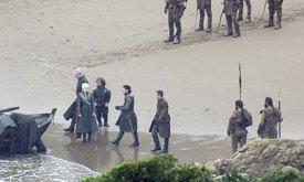 Потом появляется Джон с Джендри.